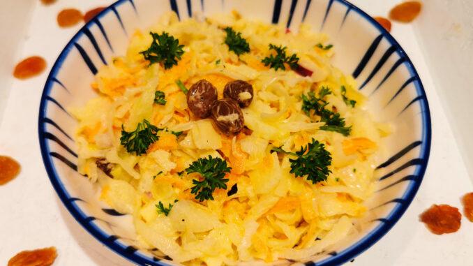 Zoete winterse zuurkoolsalade